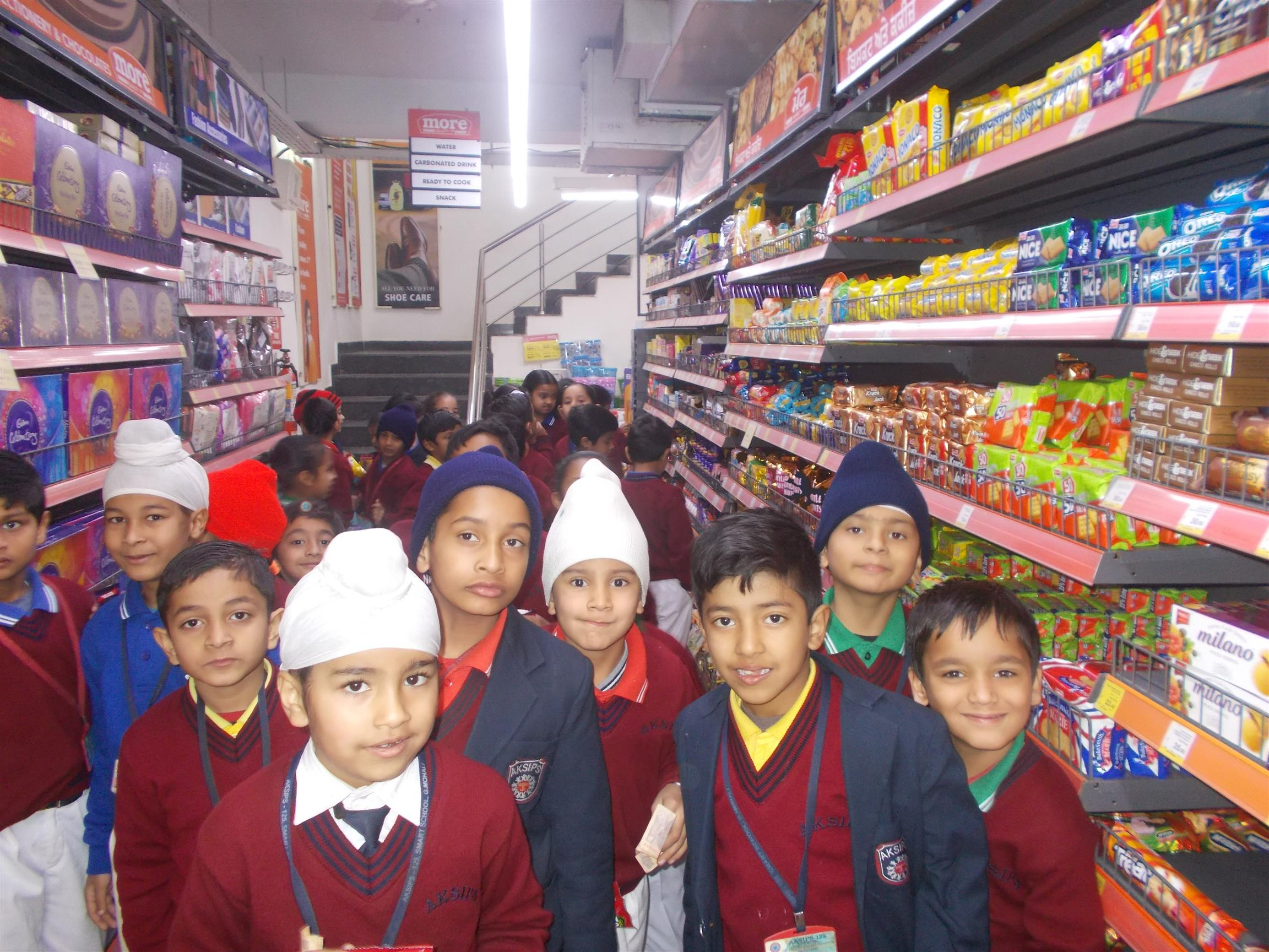 Visit to Departmental Store - MORE| AKSIPS 125 Chandigarh